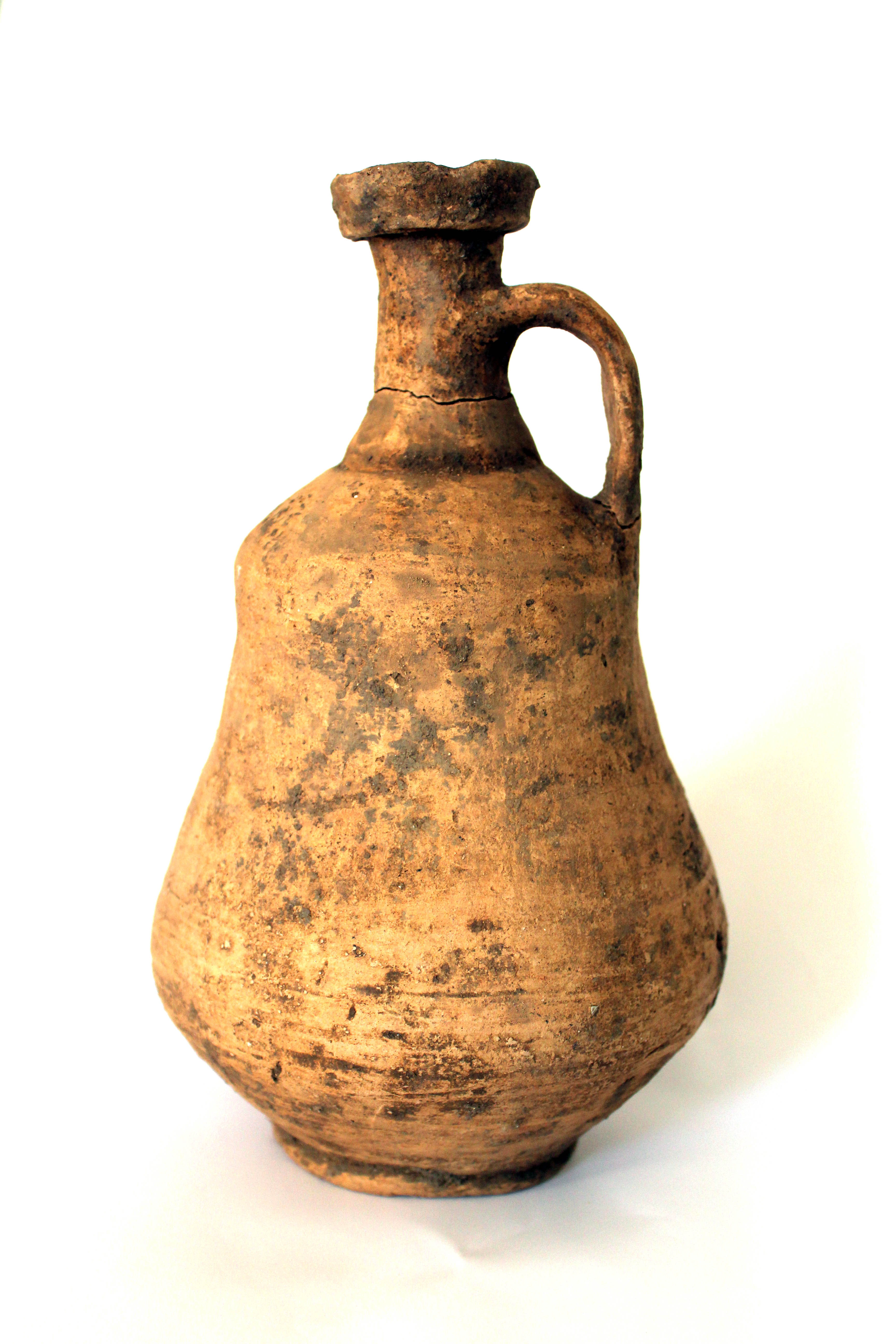 Late Iron Age/Roman flagon Copyright Thames Valley Archaeological Services